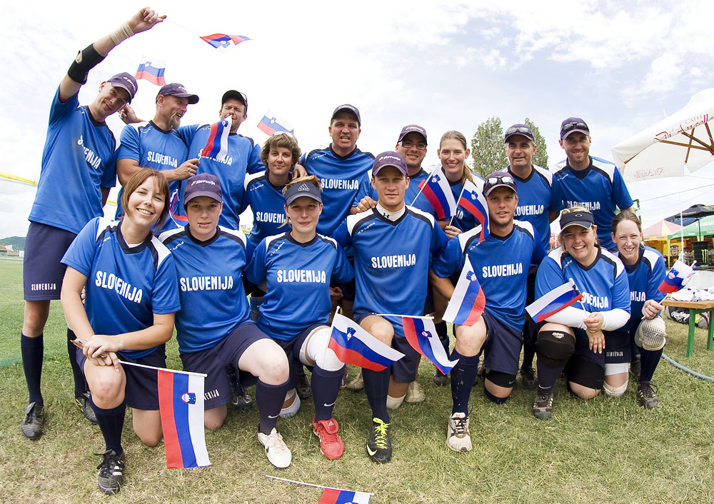 Slovenian COED slowpitch national team at EChCS in Bulgarija